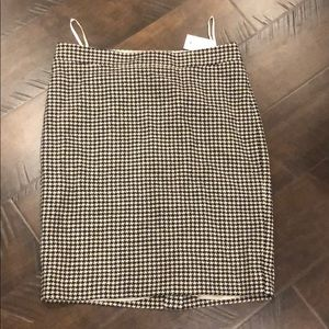 🌸NWT🌸 J. Crew Houndstooth Pencil Skirt